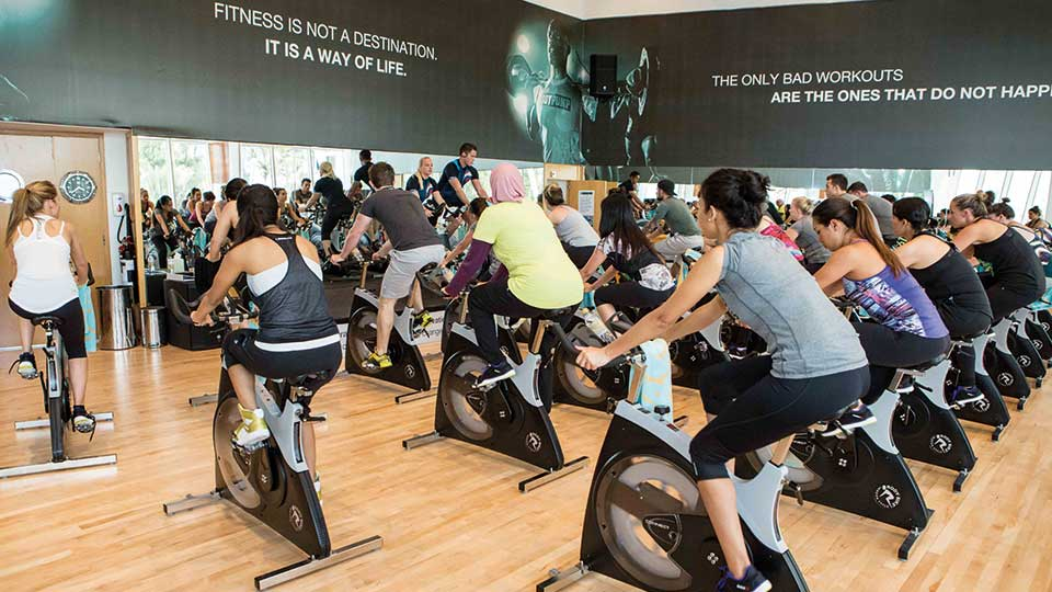 People doing a fitness class in Dubai
