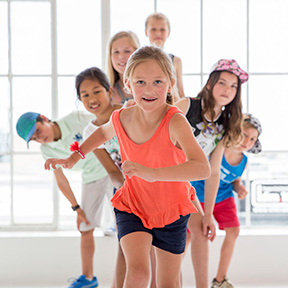Born to move 6 - 7 - Les Mills -group of children