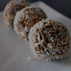 diana-mills-bliss-balls-recipe2